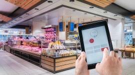 Handel mądrzeje dzięki technologii BIZNES, Handel - W sklepach coraz częściej używane są inteligentnerozwiązania oświetleniowe. Nowe technologie nie tylko pozwalają oszczędzać energię elektryczną, ale także coraz mądrzej wspierają sprzedaż.